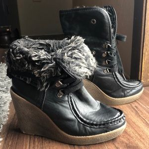 Mossimo Black Faux Fur Wedge Ankle Boots W7 CUTE!